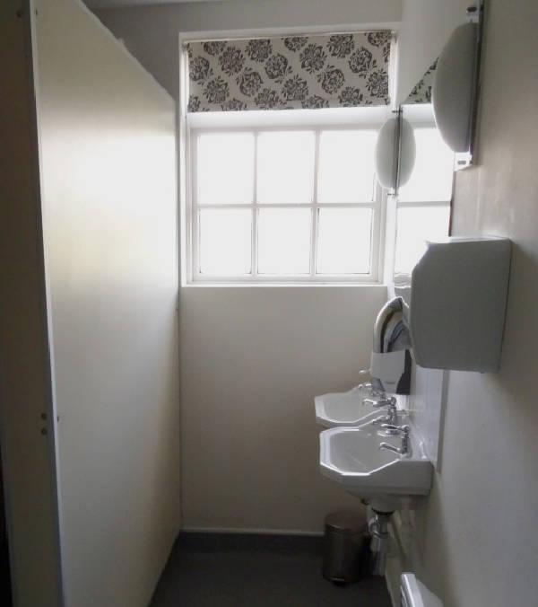 Gentlemen's Toilet